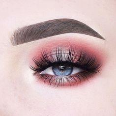 Eye makeup for blue eyes💍💕รωεεƭร 👑 ρ૨เɳ૮εรร 🕌 ∂α૨ℓเɳɠ🍭🍦 ∂α૨ℓα💋 Makeup Eye Looks, Blue Eye Makeup, Glam Makeup, Eyeshadow Makeup, Makeup Inspo, Makeup Inspiration, Eyeshadow Palette, Make Up Looks, Colorful Eye Makeup