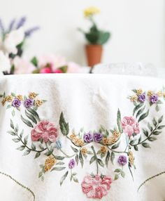60 Likes, 1 Comments - Elisi_e Rose Embroidery, Cross Stitch Embroidery, Embroidery Patterns, Crochet Quilt, Knit Crochet, Casting On Stitches, Brazilian Embroidery, Blackwork, Colorful Interiors