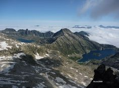 Tort de Rius Lake (left) Mar Lake (right) a paradise over 2.000 m accessible for all kind of people