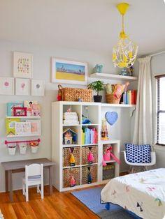 55 Kallax Regal Ideen: Als Raumteiler, Kleiderschrank, Garderobe und Co. 55 Kallax shelf ideas: As a room divider, wardrobe, cloakroom and Co. Set up a colorful children's room in a Scan Kallax Ideas, Ikea Kallax Regal, Ikea Expedit, Ikea Regal, Ikea Shelves, Kallax Shelf, Shelving Units, Floating Shelves, Toy Rooms