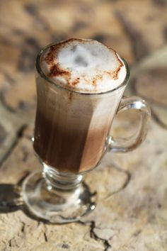 Make Your Own Coffeehouse Hot Drinks with Coconut Oil | Health Impact News