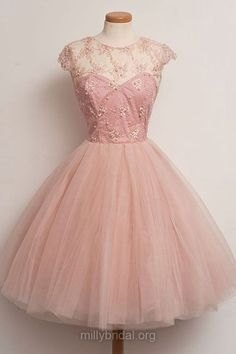 Short Homecoming Dresses,A-line Scoop Neck Cocktail Party Gowns, Tulle Knee-length Graduation Dresses,Appliques Lace Prom Gowns, Affordable Prom Dresses