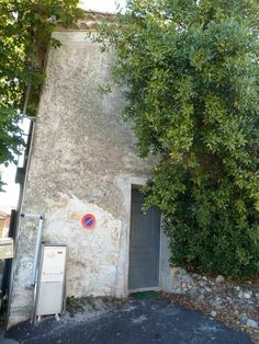 Front door... - My tiny house... for sale, in the South of France...