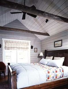I just want to wrap strings of little white twinkly lights around those exposed beams. That would be SO pretty!