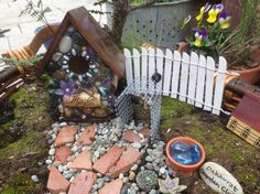 Make Your Own Fairy Garden Fence You need: Craft wire, 20-22 gauge Popsicle sticks, or tongue depressors or twigs! Needle-nosed pliers and A clipboard Paint