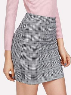 To find out about the Plaid Print Bodycon Skirt at SHEIN, part of our latest Skirts ready to shop online today! Outfits Dress, Denim Skirt Outfits, Plaid Skirts, Casual Skirts, Fashion Outfits, Party Outfits, Cheap Fashion, Ootd Fashion, Fashion Women