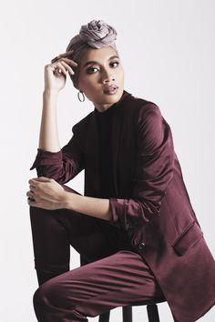 Yuna Singer, Breaking The Glass Ceiling, Hijab Fashion, Women's Fashion, Singer Fashion, Turban Style, Soul Music, Beautiful Black Women, Audrey Hepburn