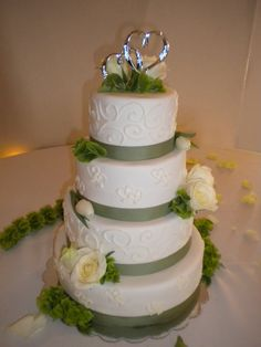 Sage and sandalwood wedding cake. For more idea's check out our 2015 wedding colours board https://www.pinterest.com/EzeEvents/10-wedding-colour-palettes-we-love-for-2015/