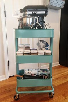 Who says you need a sous chef to be a boss? A rolling baking keeps your supplies in one place and can easily be stored in a or corner. Baking Storage, Baking Organization, Organization Hacks, Kitchen Storage, Kitchen Racks, Corner Pantry Organization, Cake Storage, Organizing Life, Storage Cart