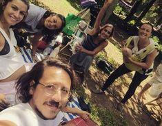 Atriz Carol Machado aparece em piquenique ao lado da mulher e da segunda filha do casal