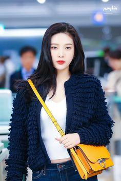 Check out Black Velvet @ Iomoio Seulgi, Kpop Girl Groups, Korean Girl Groups, Kpop Girls, Red Velvet Joy, Black Velvet, Joy Rv, Velvet Fashion, Jennie Blackpink