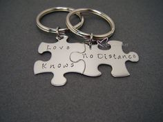 Long Distance Relationship, Love Knows No Distance, LDR Gift, Anniversary Gift,Couple Gift, Boyfriend Girlfriend Gift, Couples Keychains #LongDistance Grad Gifts, Ldr Gifts, Graduation Presents, Anniversary Gifts For Couples, Girlfriend Anniversary Gifts, Boyfriend Girlfriend, Love Poems For Girlfriend, Beautiful Girlfriend, 7th Anniversary