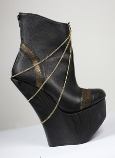 showstopper! Wedges, Boots, Gold, Fashion, Crotch Boots, Moda, Fashion Styles, Shoe Boot, Fashion Illustrations
