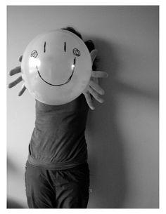 """""""Ti cerco nel sorriso degli altri che non sorridono mai come te.""""  (Web)"""