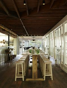 Garden-to-Table Dining in the Heart of Sydney : Remodelista: Communal table Restaurant Interior Design, Cafe Interior, Restaurant Interiors, Shop Interiors, Communal Table, Sydney Restaurants, Table Haute, Cafe Restaurant, Outdoor Restaurant