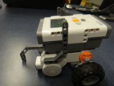 How to Build and Program a NXT Lego Robot Picture of How to Build and Program a NXT Lego Robot Lego Nxt, Lego Robot, Robots, Lego Mindstorms, Lego Technic, Robot Picture, First Lego League, Robotics Club, Lego Boxes
