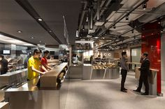 New McDonalds Restaurant Interior Design Is Part of a Smart Rebranding Strategy Mcdonalds Restaurant, Fast Food Restaurant, Restaurant Bar, New Interior Design, Restaurant Interior Design, Restaurant Interiors, Hong Kong, Skirt Mini, Arquitetura