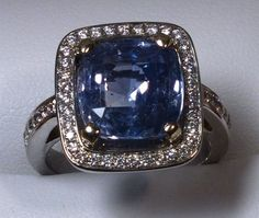 Estate Ladies 6.16 carat Blue Sapphire 18k white gold ring with Diamonds