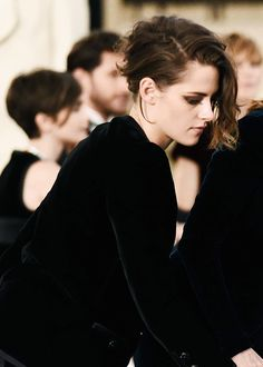 No sound but the wind. Kristen Stewart Short Hair, Kirsten Stewart, Short Hair Cuts, Short Hair Styles, Actrices Hollywood, Grunge Hair, Cara Delevingne, American Actress, Ronaldo