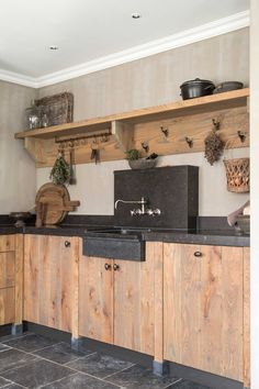 40 Inspiring Rustic Farmhouse Kitchen Cabinets Remodel Ideas - Page 11 of 39 - nancey news Outdoor Kitchen Cabinets, Kitchen Cabinet Remodel, Kitchen Cabinet Styles, Rustic Cabinets, Home Decor Kitchen, Interior Design Kitchen, Kitchen Ideas, Cabin Kitchens, Kitchen Styling