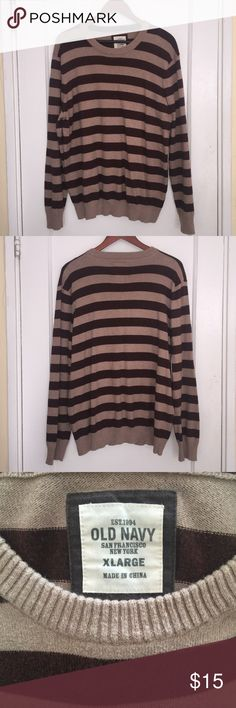 🐨 Brown and Tan Striped Sweater Size is XL so you can either wear it as normal or as an oversized sweater with leggings if you're a smaller size!  Model is normally a size xs-s! Old Navy Sweaters