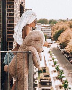 So cute! Yay or Nay? Big Teddy Bear, Giant Teddy, Teddy Girl, Teddy Bear Pictures, Photo Poses, Girl Photography, Kylie Jenner, Brown Hair, Lifestyle