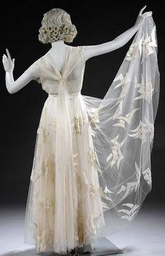 Madeleine Vionnet - Robe - Organza, Tulle, Velours de Soie et Perles - 1935