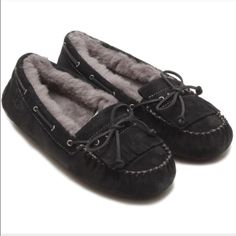 Ugg authentic Mandie black moccasins Sz 8 new Ugg authentic Mandie black moccasins Sz 8 new without box store display UGG Shoes