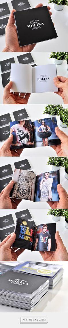 Mini catálogos 10x10 cm, tapa blanda con 22 páginas de base en packs de 12 unidades| Fotolibros y Photobooks Premium - Fábrica de Fotolibros