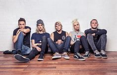 """New Songs - Tonight Alive """"Bathwater"""" And """"No Different"""" - TravisFaulk.com"""