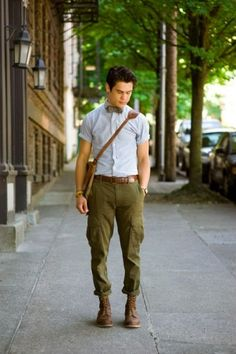 Khaki Pants Outfit Men Picture green and olive pants style for men famous outfits Khaki Pants Outfit Men. Here is Khaki Pants Outfit Men Picture for you. Khaki Pants Outfit Men 59 impressive what to wear with tan jeans guys. Pantalon Vert Olive, Pantalon Cargo Kaki, Khaki Pants Outfit, Outfit Man, Men's Pants, Olive Green Pants Outfit, Outfit Work, Military Green Pants, Green Cargo Pants