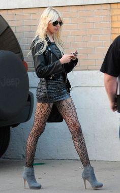 Oh Taylor Momsen you are so badass #rocknroll #taylormomsen #blonde #beauty #sexy