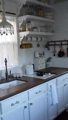 Shabby Chic home decor knowledge number 7073931971 to strive for a truly smashing, smart bedroom. Why not check out the shabby chic home decor vintage web link immediately for extra info. Shabby Chic Dresser, Updating House, Chic Kitchen, Kitchen Remodel, Kitchen Decor, Cottage Kitchen, Shabby Chic Room, Chic Home Decor, Shabby Chic Kitchen