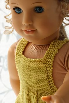 Knitting patterns for american girl doll clothes - This outfit looks fabulous with a green scarf Girl Doll Clothes, Girl Dolls, Baby Born, Knitted Dolls, Barbie, Doll Accessories, American Girl, Knitting Patterns, Crochet Hats
