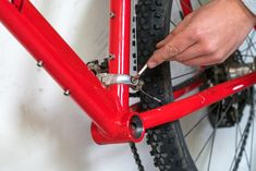 So baust du dir dein eigenes E-Bike mit Mittelmotor E-bike conversion How to build your own e-bike with a center motor DIY E-MTB Instructions for e-bike conversion with Bafang Mid-engine E-bike build yourself from old mountain bike 11 E Bike Mittelmotor, Bicycle, E Mtb, Moped Scooter, Build Your Own, Mountain Biking, Engineering, Gadget, Outdoors