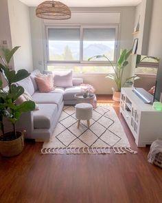 Small Apartment Living, Small Living Rooms, Living Room Decor Cozy, Home Living Room, Home Room Design, Living Room Designs, First Apartment Decorating, Apartment Interior, Home Decor