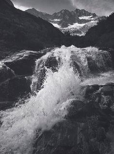 Waterfall_-northern-cascades_-washington_-1960-photograph-by-ansel-adams