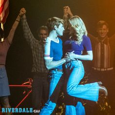 Archie Andrews and Betty Cooper in Good picture but I ship Bughead all the way! Riverdale Archie And Betty, Archie Comics Riverdale, Lili Reinhart, Movies Showing, Movies And Tv Shows, Archie Andrews Aesthetic, Kj Apa Riverdale, Riverdale Funny, Betty & Veronica