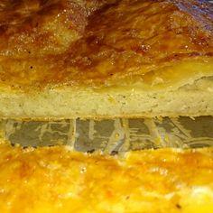 Pour l'Épiphanie, nous vous livrons une recette savoureuse et originale de la galette des rois, avec de la noix de coco, du rhum vieux et de la vanille de Tahiti. Temps de préparation : 1 heure. Te…