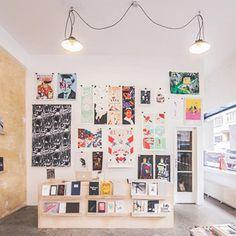 PageFive je mladé knihkupectví a vydavatelství specializující se na prodej a produkci výtvarných publikací, autorských tisků a uměleckých periodik a...