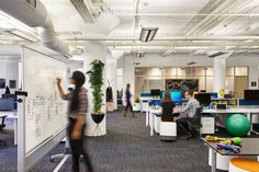 A Peek Inside Prezi's Cool San Francisco Office Affiliate Marketing, Social Marketing, Internet Marketing, San Francisco, Open Plan, Bureau Open Space, Catchy Phrases, Startup Office, Office Boards