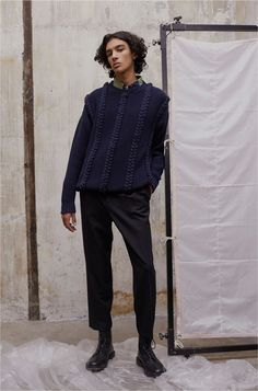 See the complete Paul & Joe Fall 2017 Menswear collection.