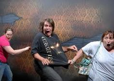 Nightmares Fear Factory Haunted House photos - I can't stop looking at these, they are hilarious! Haunted House Pictures, Scary Haunted House, House Pics, Fun House, Haunted Houses, House 2, Laughed Until We Cried, I Laughed, Daniel Tosh