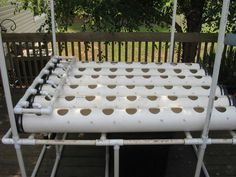 How to Assemble a Homemade Hydroponic System : How-To : DIY Network