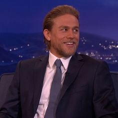 OMG! You won't believe what one VERY forward fan said to Charlie Hunnam... [VIDEO]