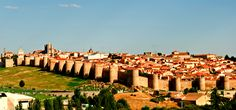 To the right of the Rio Adaja, within an intact city walls, the Old Castile retains a small treasure trove of art, even for you. Avila, the walled city that preserves the memory of Santa Teresa, your wonderful opportunity to admire a fascinating slice of Spain. You arrive in Plaza Santa Teresa crossing the Puerta ...