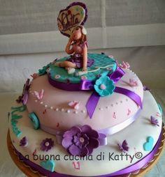 La buona cucina di Katty: Torta Violetta Disney ..... per il compleanno di Rebecca Violetta Disney, Birthday Cake, Desserts, Kids, Dress, Food, Tailgate Desserts, Toddlers, Costume Dress