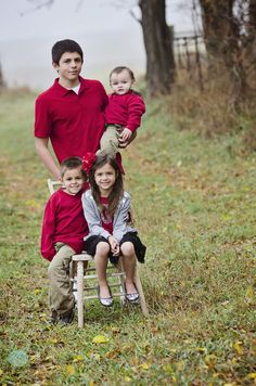 Fall Family photo shoot outdoors with Bosley Creative. It was a really foggy day at the farm!