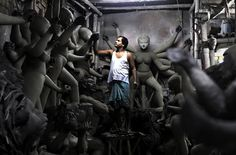 Meet the clay makers who bring the Goddess to Earth   Padhaaro