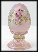 Fenton Pink Champagne Satin Easter Egg Paperweight $39